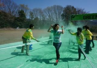 色粉まみれで野山を5km走る??? 疑問符満載なランニングフェス『The Color Run』に参加してみると…