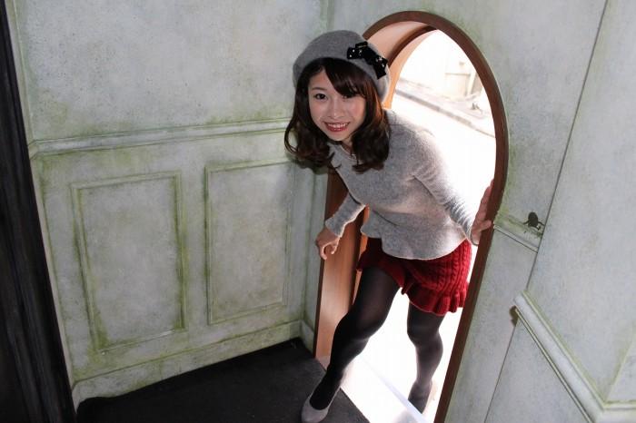 入口は一番小さい茶色の扉だったんですね…!