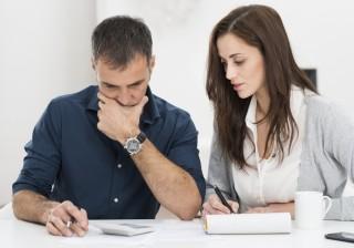 職場で人気のある女性が「無意識に行っている日常的な行動」。