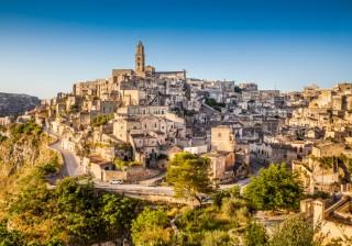 【洞窟都市】欧州文化首都2019に選ばれた南イタリアの町「マテーラ」が絶景すぎる!
