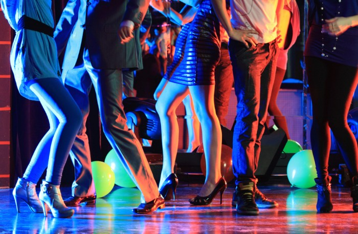 踊りが目的なのに・・。
