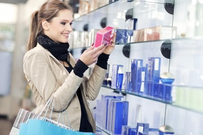 化粧品の中でも、「コットン」や「オイルコントロールペーパー」「ハンドクリーム」など、いくつあっても困らないものは人気!