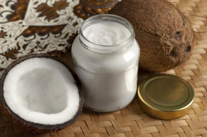 海外セレブをはじめ、美容に関心がある人に大人気のココナッツオイル。