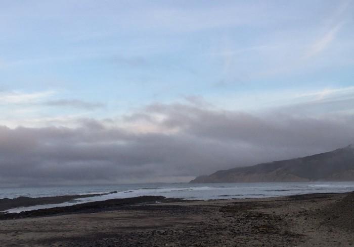 ボリナスのビーチ。朝はとても神々しかったです。