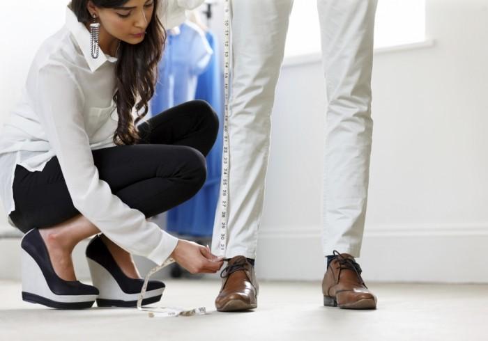 あなたのズボンの丈が美しすぎて・・。測らせてくれない?