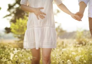 """【62%が興味あり!】女性200人に聞いた""""妊活""""。自己流でいいの?"""