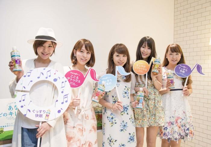 左から、MAAMIさん、荻野瀬里香さん、片桐優妃さん、鷲巣善美さん、能美黎子さん。