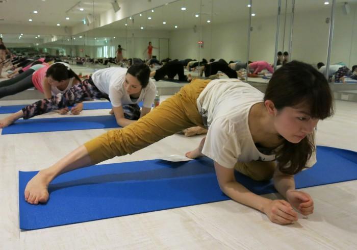手前から、近藤 えりこさん(No. 19)、大谷 慶子さん(No. 97)、大谷 朋子さん(No. 46)。
