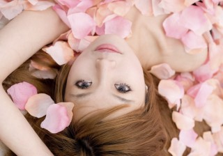 """【鉄板メイク!】ピンクで""""大人可愛い""""モテ顔を作る、3つの極意。"""