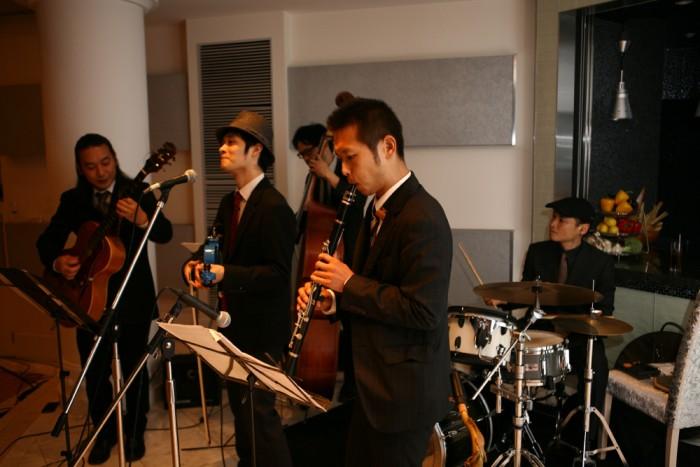 プロによるジャズ生演奏。