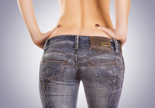 【腰回りのプニプニ脂肪】キレイにパンツをはきこなすための3つのエクサ。