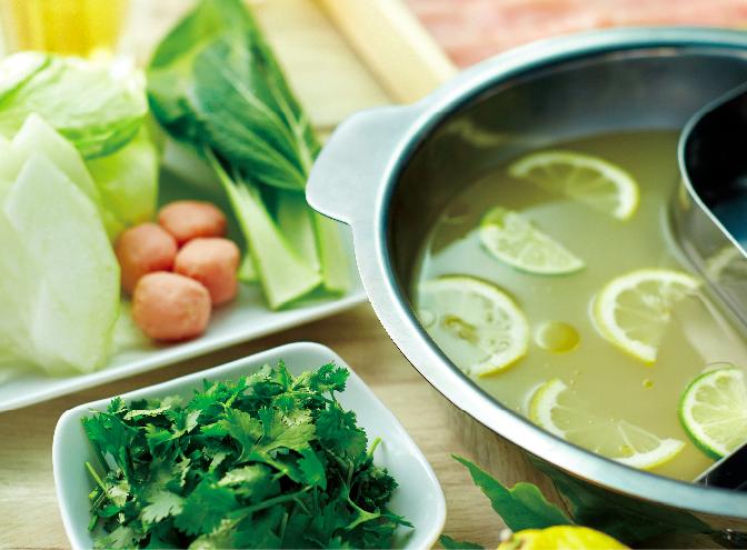 塩レモン鍋。食欲が落ち気味な夏でもペロリといけそう。