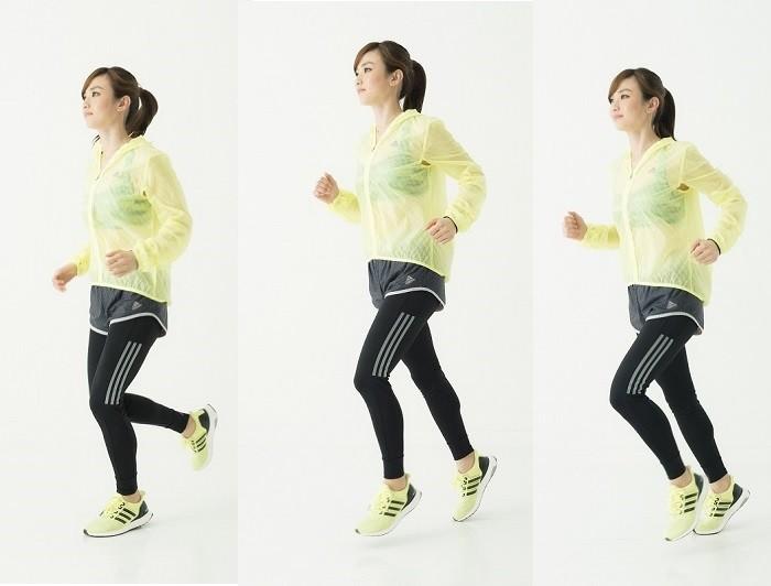 「こんな感じで走ってください」とお手本を見せる湯田さん。