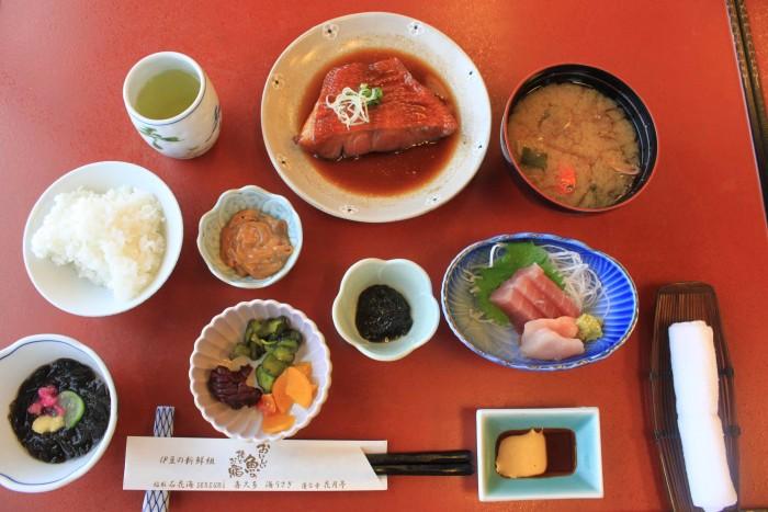 伊豆の海の幸たっぷりな豪華ランチです。