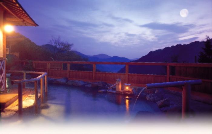 露天風呂と星空は最高の組み合わせ。