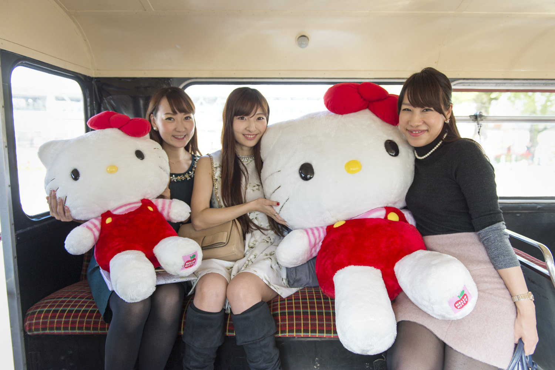 バスの中にキティちゃんが!