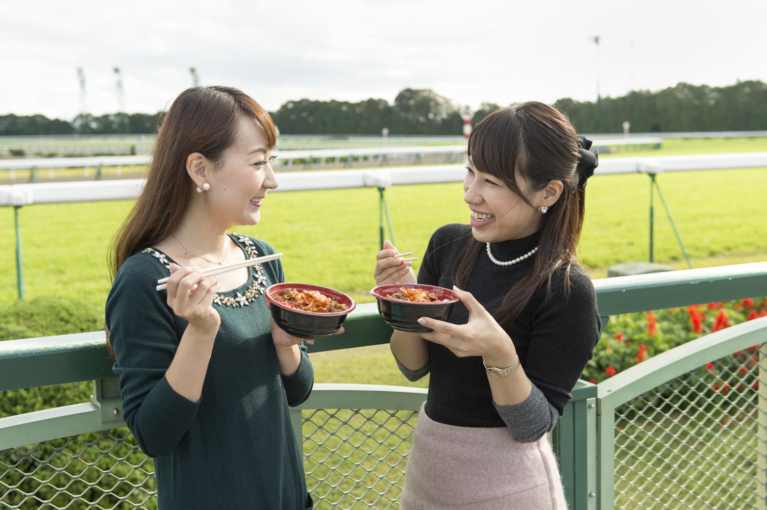 やっぱり競馬場で食べるごはんはおいしい!