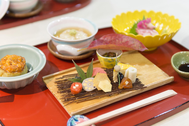 夜のおまかせコース 9000円(税サ別)。