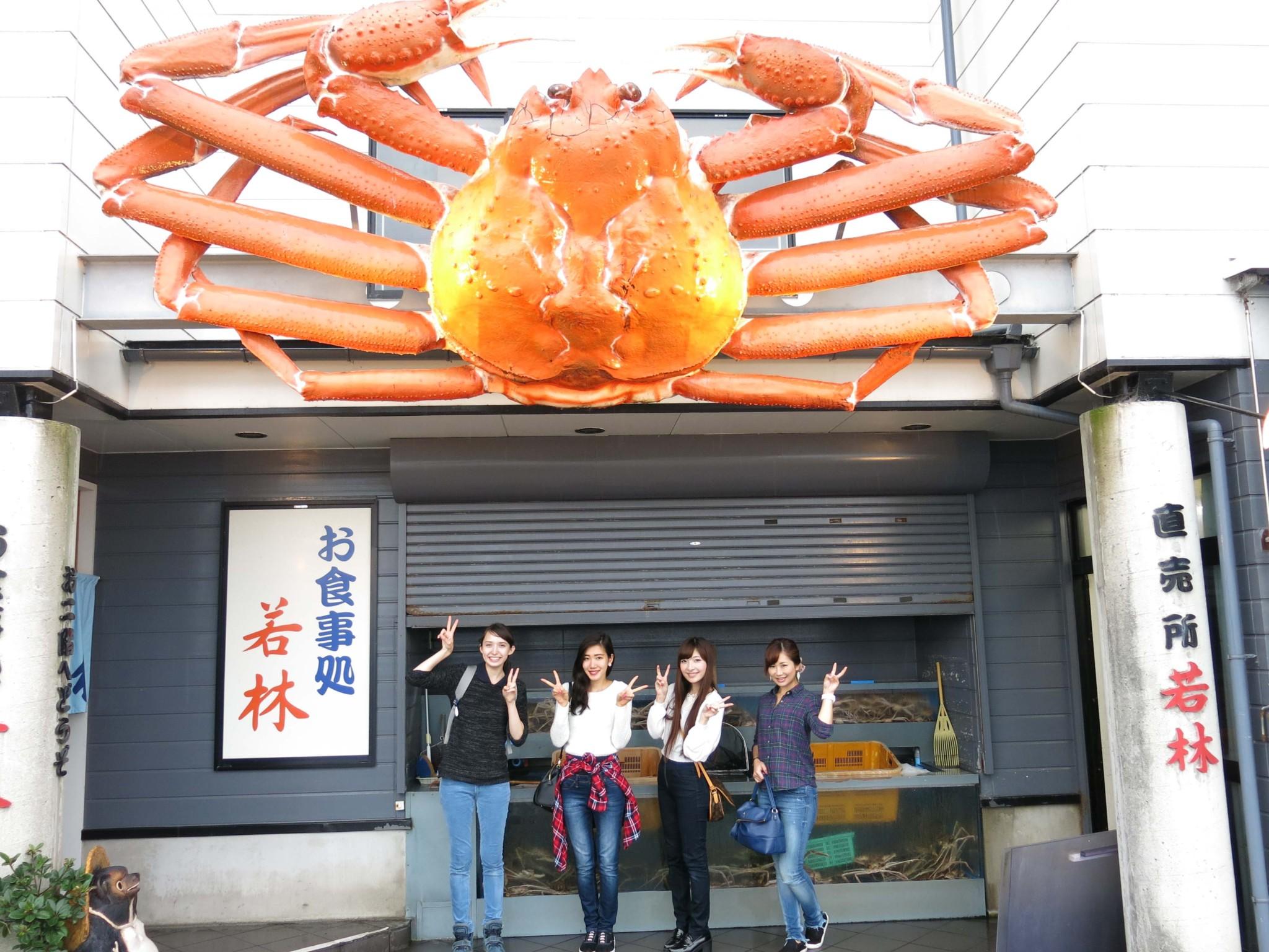 左から、斉藤アリス、御堂もにかさん(No.151)、五位渕のぞみさん(No.158)、尾谷萌さん(No.063)。