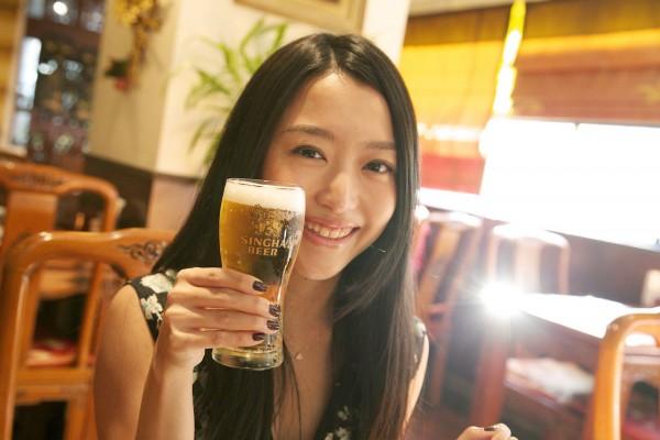「生シンハービールが飲めるなんて感動!」