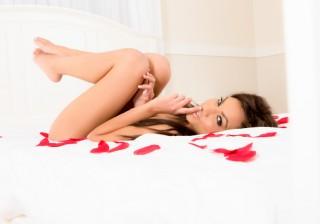 セックス占い 11/15-【双子座】「恋のハンターになりきって! 喘ぎ声も大きいくらいがセクシー」