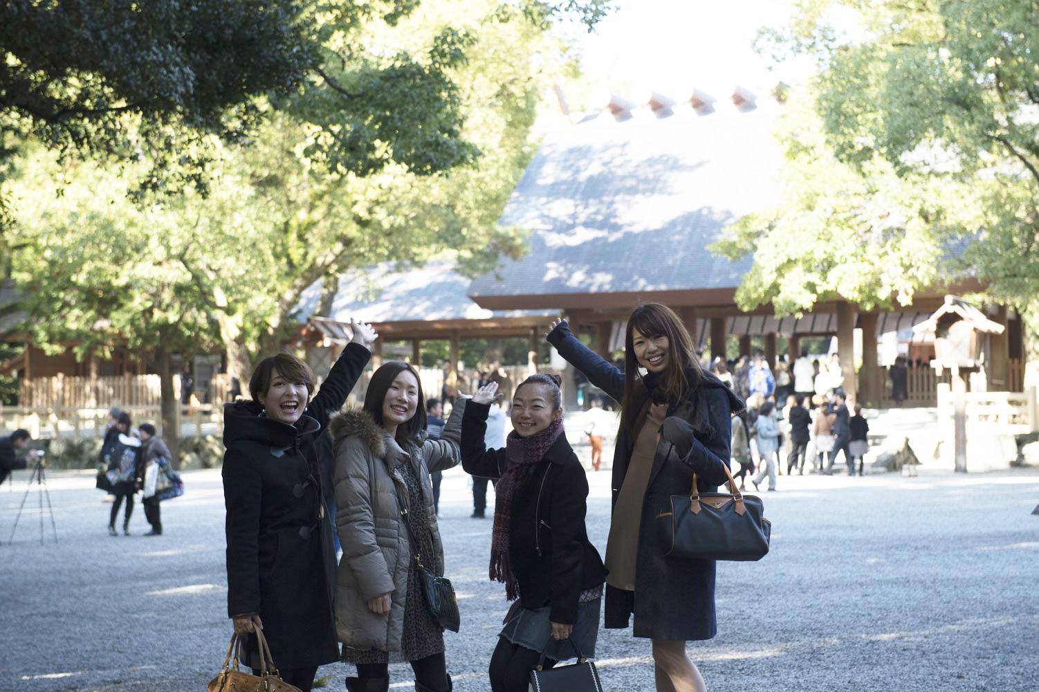熱田神宮到着4人
