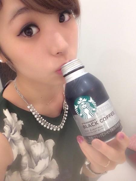 1日に1回は必ずコーヒーを飲むという片桐優妃さん(no.115)