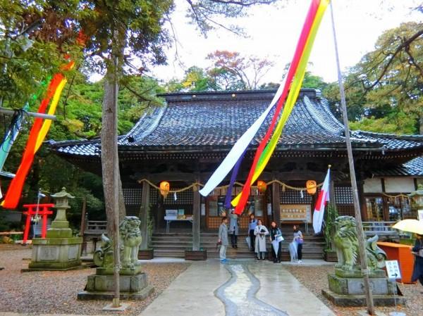 兼六園真弓坂の入り口にある石浦神社。