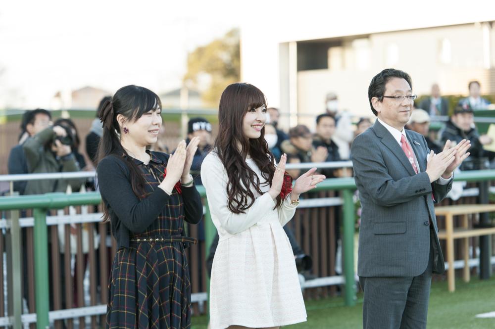 第11レースのプレゼンターは野村さんと五位渕さん。