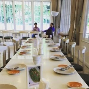 【タイ旅行記】vol.14 白亜の豪邸でいただく豪華タイ料理「老舗レストラン」 vs シャコたっぷり「ローカルフード」