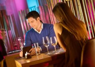 【払ったら2番目の女に】気になる年上男性とデート、支払いはどうするべき?