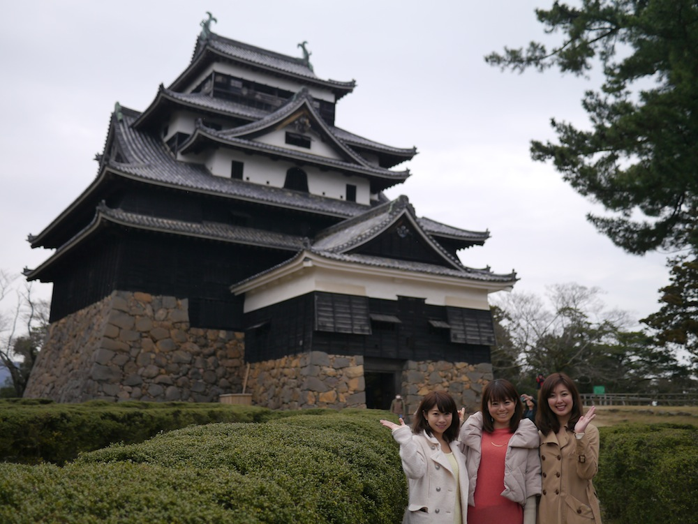 左からこままりえさん、北真理子さん、浅香ユウさん。