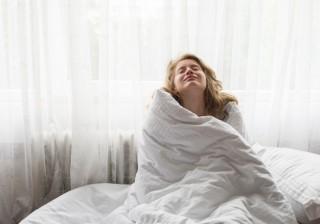 【新連載&動画】コリをほぐしてぐっすり睡眠「パンダのストレッチ」。