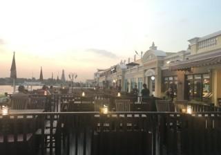 【世界No.1カレー登場!】川辺で夕日を眺めながらタイ料理♪ 最新スポットご紹介します!