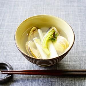 【メラニン抑制!】ほのかな苦みが春の山菜ならでは♪『ウドとはまぐりの潮汁(うしおじる)』。