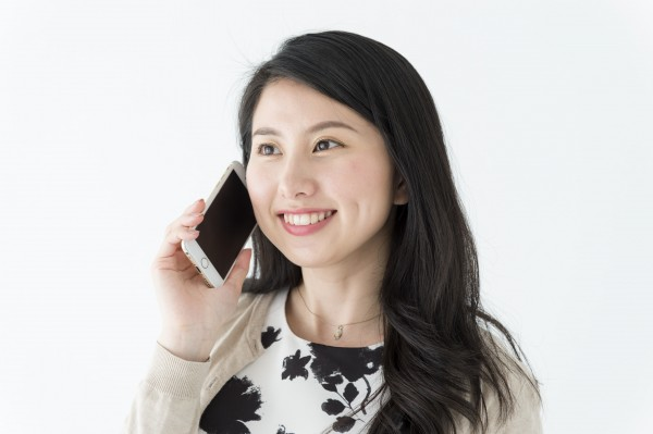 会わないからこそ、声の印象が大事な電話。