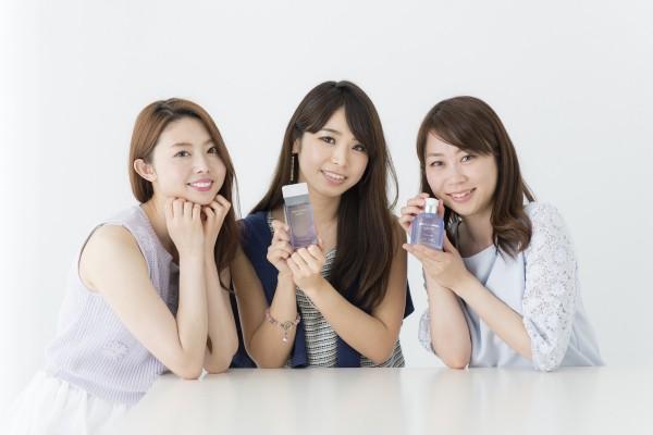 左から松下侑衣花さん、片桐優妃さん、浅井裕美さん。