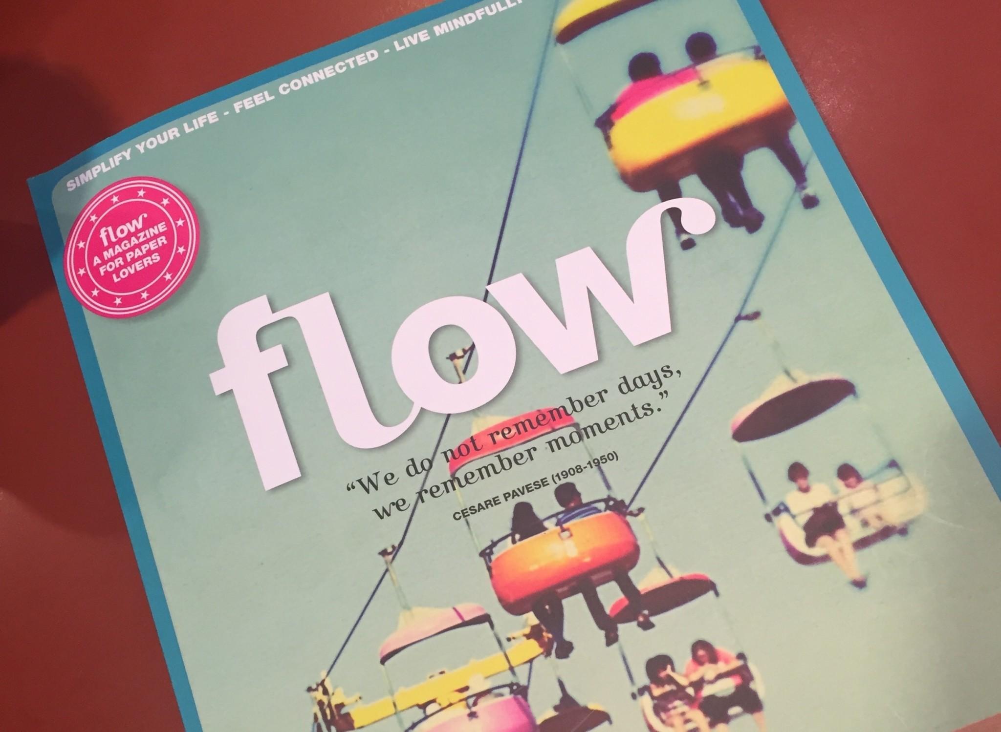 オランダの雑誌『FLOW』ではジョン・カバット・ジン教授の特集記事が。ディープな真剣記事ながら、レイアウトも写真もポップで見せ方が上手い!