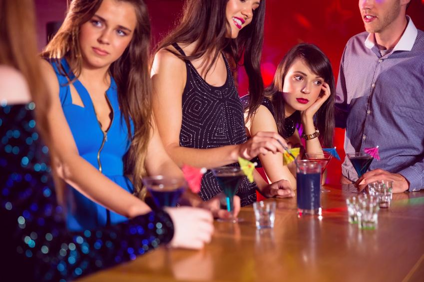 女友達が、男性から全く人気がない時……。