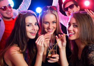 ついに決着!…話し上手と聞き上手、飲み会で本当にモテるのはどっち?