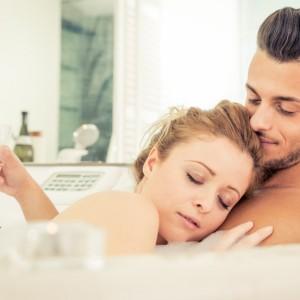 【恋も体も火照る♡】お風呂でカレの興奮度を上げる3つの行動。