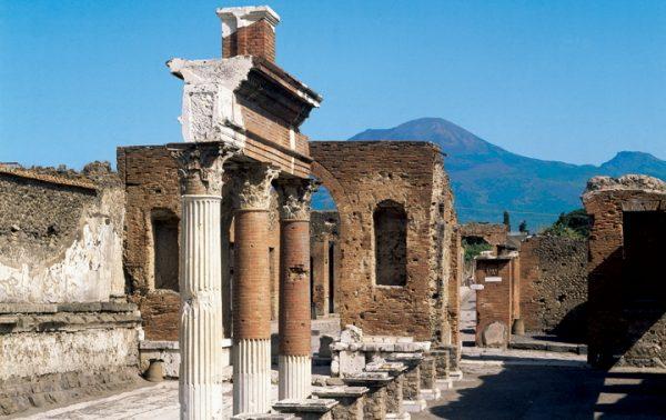 ポンペイ遺跡写真pompei ©Regione Campania