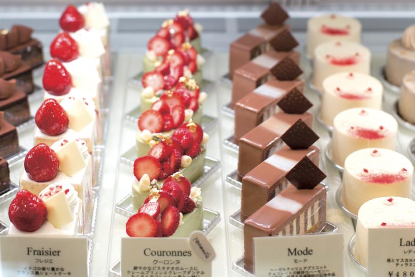 美しく並ぶケーキたち。特にチョコレートを使ったケーキは即完売してしまうほど。