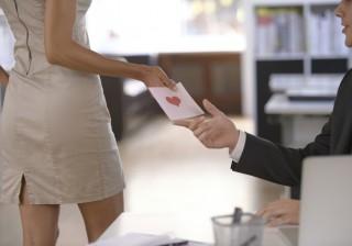 【隠れモテ女子】職場で人気を得る最強「ナゴミ女子」になる3つの方法。