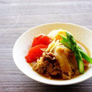 【リコピンでアンチエイジング】さっぱりといただける洋風煮物、『トマト肉じゃが』。