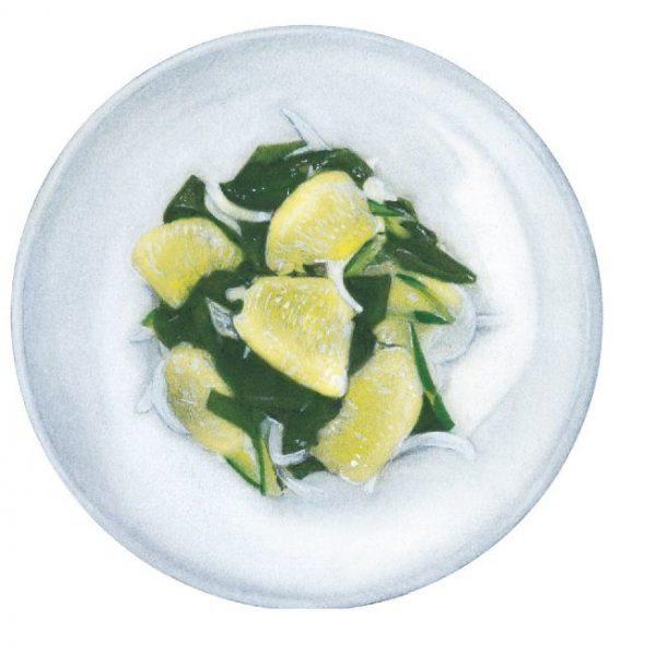 グレープフルーツとワカメの和風サラダ。夏バテでも箸が進む爽やかな一皿。