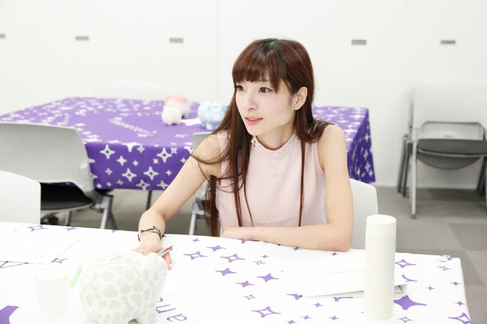 「持ち家だと自分の財産になるし、自分の好きな内装にリフォームできるよね!」と持ち家のメリットを発表する五井渕さん。