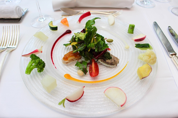 約30種の野菜を味わえる「インサラータ」