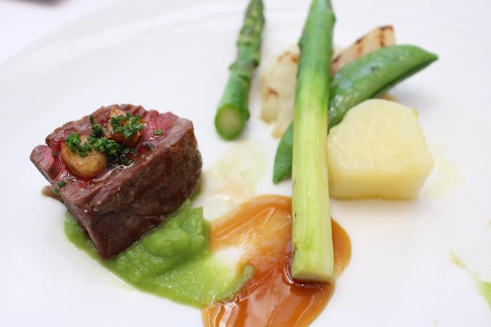 牛肉と野菜のソテー。