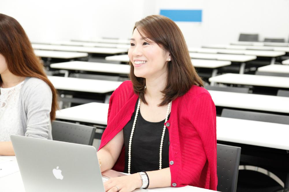 佐久間さんは、株式投資もFXも経験済み。やる気満々で講座初参加!